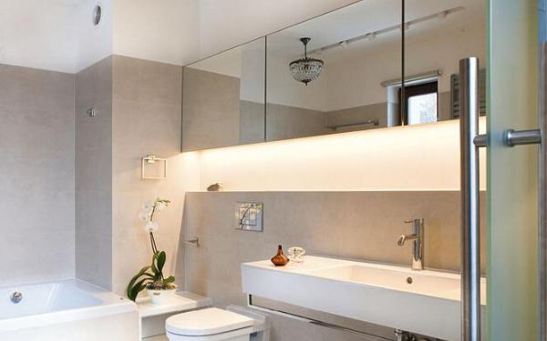 Praktyczne wnęki w łazience. Jak je wykorzystać?
